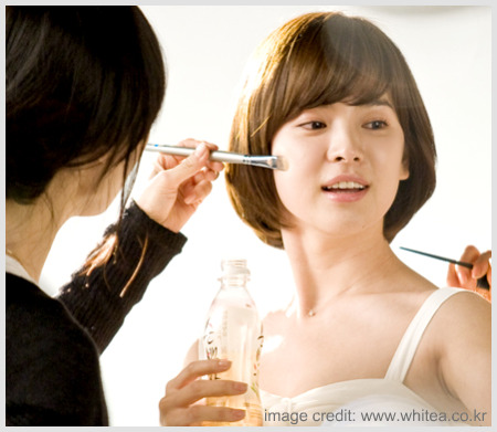song-hye-kyo-whitea-cf