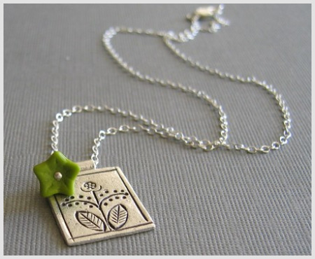 flower-and-fern-pendant-with-wasabi-flower-necklace