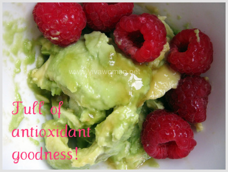 avocado raspberry honey mix