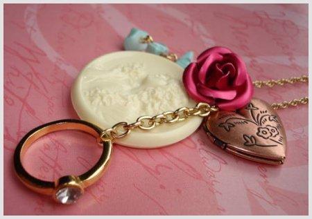 Vintage style heart locket jewelry under $25