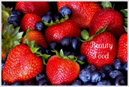 Want lesser wrinkles?  Eat more berries!