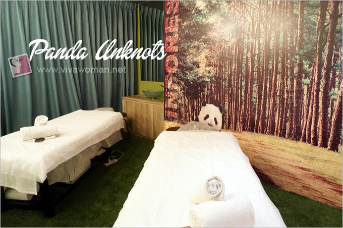 Detour-Couple-Treatment-Room