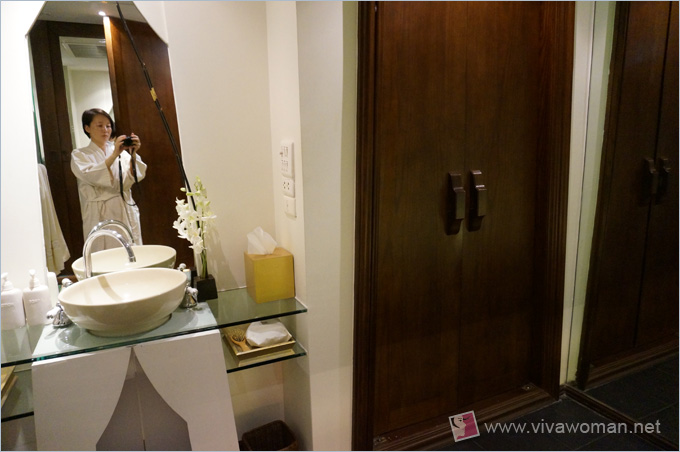 Devarana Spa Door