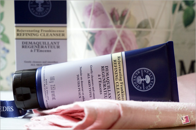 neals-yard-rejuvenating-frankincense-refining-cleanser
