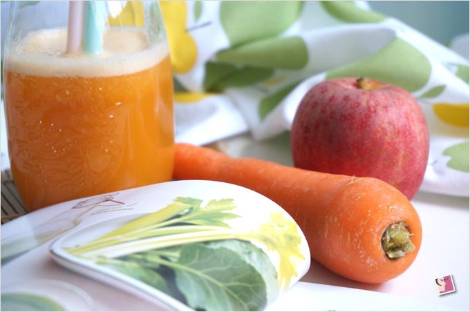 Jus de carotte orange fraîchement pressé